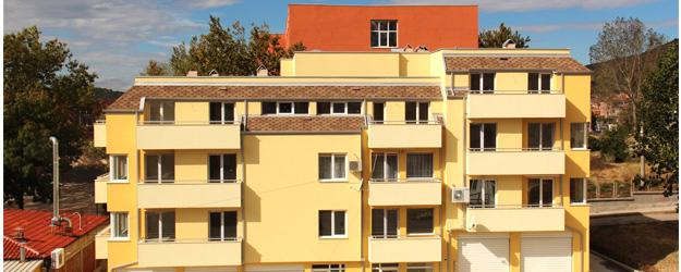"""Жилищна сграда кв.""""Българка"""" №76"""